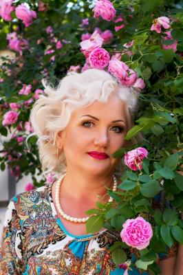 Single female Valentina, 57 y/o, from Kharkov, looking for male, girls for . Women from Ukraine. I am serious and independent woman, I have my private business and can count on myself. My children are 29 and 34, both adult and live separately. Hope to find a man with whom I will be happy!.