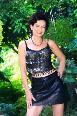 Single female Tatiana, 54 y/o, from Kharkov, looking for male, girls for . Women from Ukraine. I aI am very open-minded, spiritual and healthy woman. I devote my life to practice of yoga and I helped to many people to cope with health problems. I follow further principle